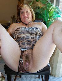 bushy young milf pussy