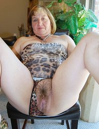 ameture uk milf marie shows her bushy pussy porn