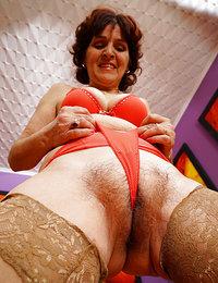 big bushy pussy big tits outdoor