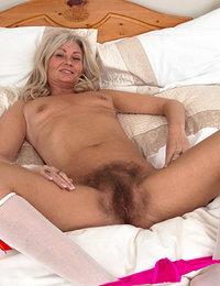 bushy hairy pussy woman anal fuck porn